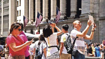 Расходы китайских туристов за рубежом стремительно растут — отток капитала?