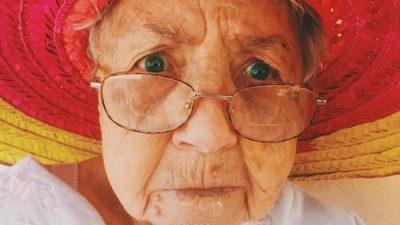 86-летняя женщина написала тёплое письмо продавцу видеомагнитофона. И его невозможно читать без улыбки!
