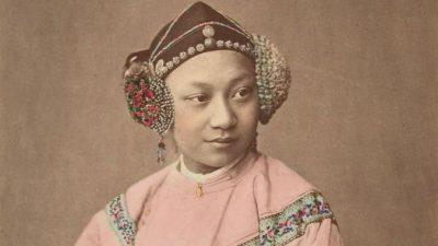 Потрясающие портреты династии Цин: вручную раскрашенные фотографии 1875 года