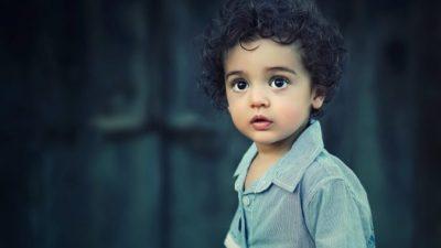 (Видео) Протестующие в Ливане дружно спели малышу детскую песенку. И у них отлично получилось!