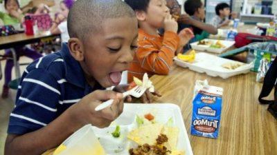 5-летняя девочка придумала, как погасить долги за обеды 123 малышей из детского сада