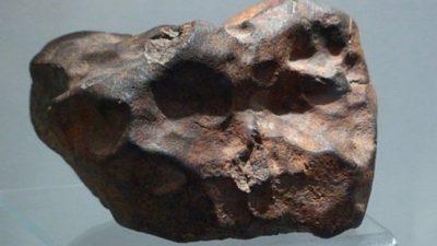 10-килограммовый камень оценили в 100 000 долларов. А ведь им десятилетиями просто подпирали дверь!