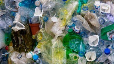 Простая и эффективная идея позволяет норвежцам перерабатывать 97% пластикового мусора с выгодой для всех