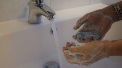 Мыть руки во время эпидемии коронавируса важнее, чем носить маски. 6 случаев, когда необходимо это делать