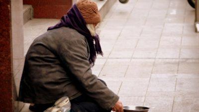 Можно ли поселить бездомных в отели во время пандемии? Власти некоторых стран решили, что да!