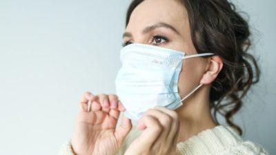 От постоянного ношения масок у врачей болят уши и появляются шрамы. Их проблему решил подросток!
