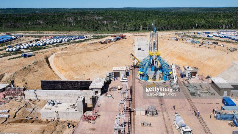 На снимке, сделанном 14 июля 2015 года, показан вид с воздуха на строительную площадку космодрома Восточный в Дальневосточном Приамурье. AFP PHOTO / АЛЕКСАНДР УТКИН (Фото следует читать АЛЕКСАНДР УТКИН / AFP через Getty Images) | Epoch Times Россия