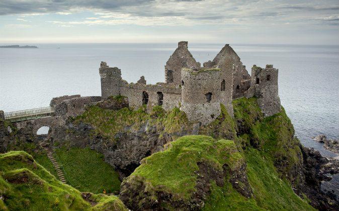Замок Данлюс. *Shutterstock* | Epoch Times Россия