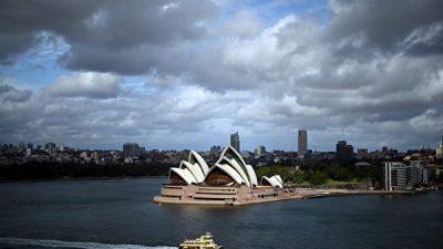 Почему власти Китая ограничивают экспорт австралийских товаров и не рекомендуют своим туристам ехать в Австралию?