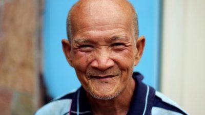Бывший гендиректор в 81 год работает продавцом-консультантом и очень этому рад! И охотно рассказывает почему
