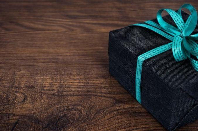 e27d3281a1a6adb356c6906215ffb625 676x450 1 - Подарки для мужчин: оригинальность нашего мышления