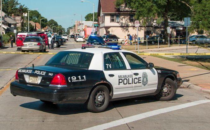 police i 700x420 700x420 676x420 1 - «Мне больно видеть таких детей», — сказал полицейский, спасший 2-летнего малыша от холода и голода