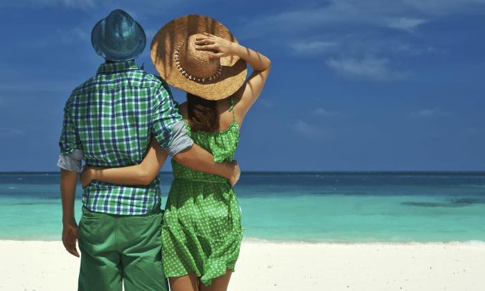 Солнцезащитный крем является важным средством защиты от солнца, но специалисты также советуют носить шляпу и оставаться в тени. (haveseen / iStock) | Epoch Times Россия
