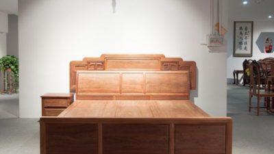 Кровати из натурального дерева: элитная категория каркасной мебели