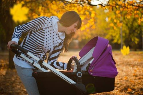 Детская коляска. Фото: pexels.com/ru-ru/@freestockpro | Epoch Times Россия