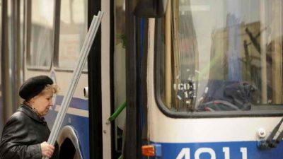 (Видео) Пассажир спас кондуктора от хулигана с ножом в Барнауле