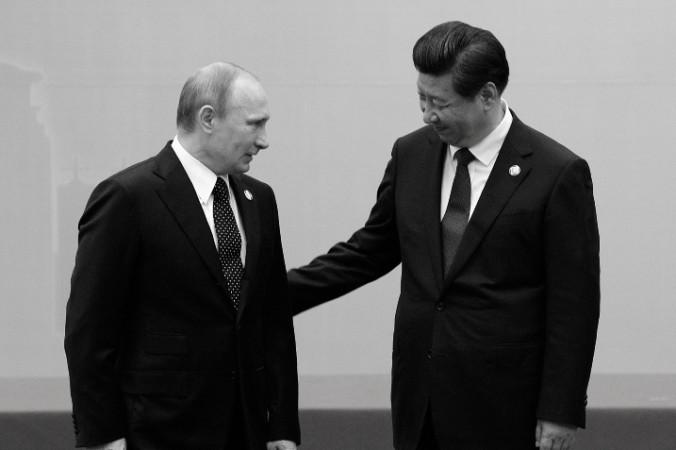 Отношения России и Китая входят в новую фазу в связи с похолоданием в Европе или это просто реализация старых планов? Фото: MARK RALSTON/AFP/Getty Images | Epoch Times Россия