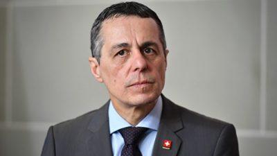 Запад отреагирует более решительно, если Китай будет придерживаться нового курса, заявил министр Швейцарии