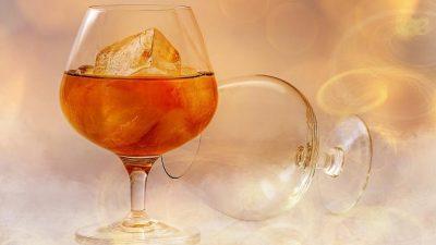 Так полезен или вреден алкоголь в малых дозах?