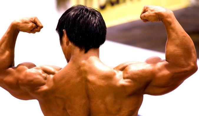 Многие склонны отождествлять мышцы с силой и мощью. Огромные мышцы бодибилдеров и звёзд кино делают их похожими на супергероев и заставляют верить, что они обладают колоссальной силой. Тем не менее большие мышечные объёмы не обязательны для силы, которую можно развить и при более скромных размерах. Фото: Lin Mei/flickr/CC BY 2.0 | Epoch Times Россия