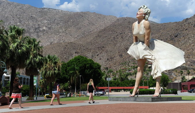 17-тонная статуя Мэрилин Монро. Фото: FREDERIC J. BROWN/AFP/GettyImages   Epoch Times Россия