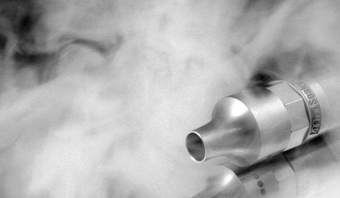 Электронные сигареты изначально задумывались как альтернатива обычным, чтобы помочь курильщикам отказаться от вредной привычки. Фото: Horwin /pixabay/CC0 Public Domain   Epoch Times Россия