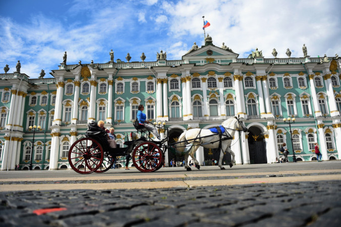 В 1991 году Санкт-Петербургу вернули его историческое название. Фото:  Laurence Griffiths/Getty Images | Epoch Times Россия
