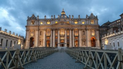 Римский Папа отказался от встречи с кардиналом Гонконга и госсекретарём США. Из-за соглашения между Китаем и Ватиканом?