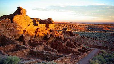 Доисторический солнечный календарь и 1500 новых петроглифов нашли в Северной Аризоне (видео)