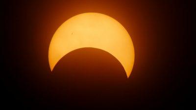 Солнечное затмение москвичи увидят онлайн или на гигантском экране