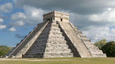 Археологи ищут тайный ход под пирамидой Майя