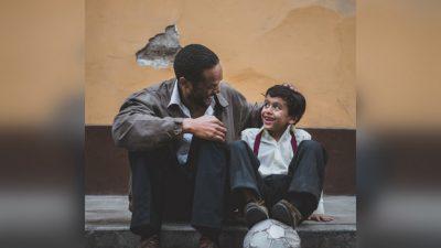 Чудесное изобретение создал сын глухонемых родителей, чтобы помочь им быть услышанными. Он шёл к этому всю жизнь!