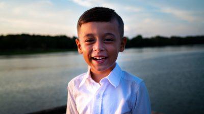 Когда трое вооружённых мужчин ворвались в дом 7-летнего мальчика, он не растерялся и спас всю семью
