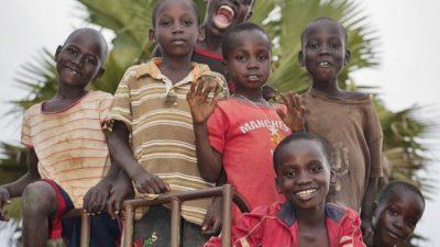 Девушка-волонтёр стала мамой для 14 сирот. И это не предел!