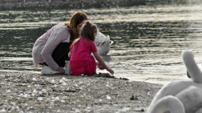 Мама с трёх лет обучала дочь, как действовать в экстремальной ситуации. И через два года малышка спасла ей жизнь