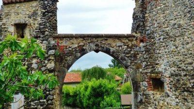 Хотите почувствовать себя настоящим мушкетёром? Добро пожаловать в средневековую Францию!