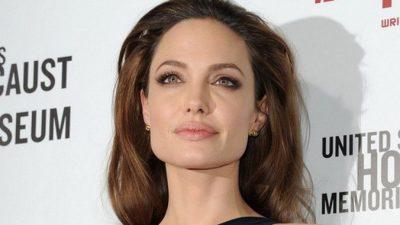 Анджелина Джоли возвращается на большой экран в роли колдуньи Малефисенты (видео)