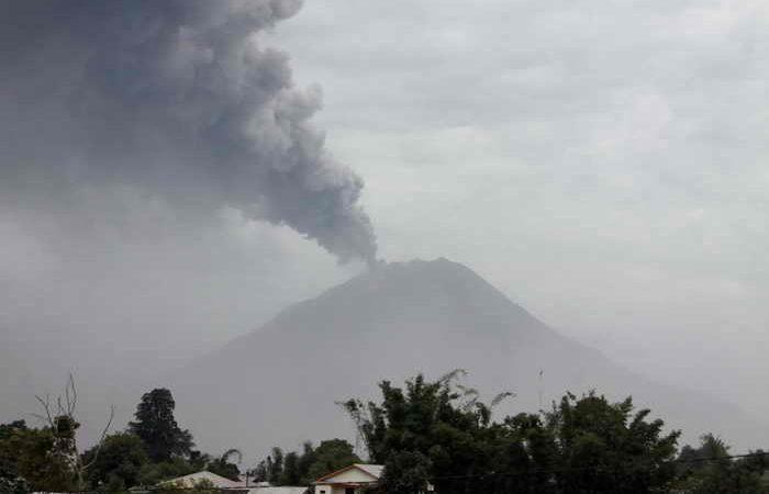 Индонезия. Извержение вулкана. Фото: KHARISMA TARIGAN/AFP/Getty Images | Epoch Times Россия