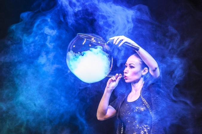 Мелоди Ян выступает в New World Stages в Нью-Йорке 22 марта 2014 г. Фото: Samira Bouaou/Epoch Times   Epoch Times Россия