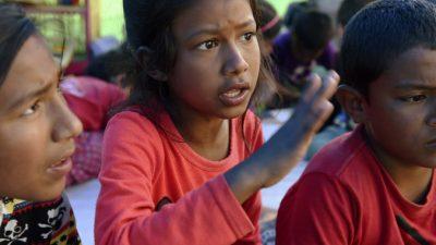 Непальские дети снова пошли в школы