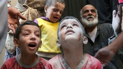 Сирийские дети умирают от холода в лагерях для беженцев