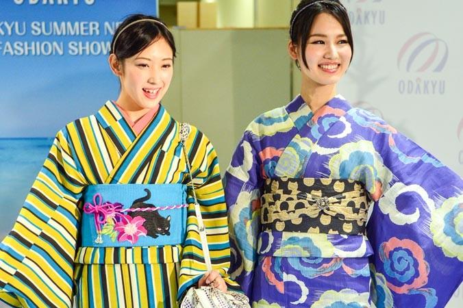 Девушки представили японское кимоно на модном шоу в Токио, Япония, 1 июня 2014 года. Фото: YOSHIKAZU TSUNO/AFP/Getty Images | Epoch Times Россия