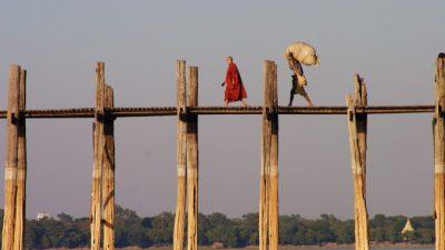 Как монах-волшебник проучил жадного богача