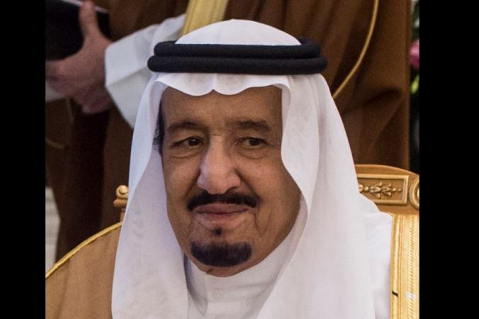 cfel 676x450 2 - Король Саудовской Аравии раздал своим подданным $30 млрд