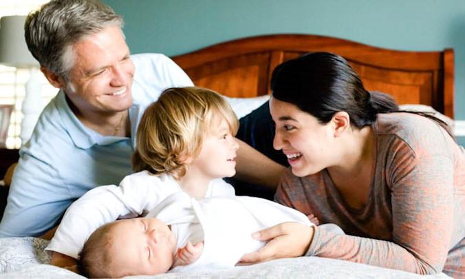 Роды после 30: преимущества перевешивают риски