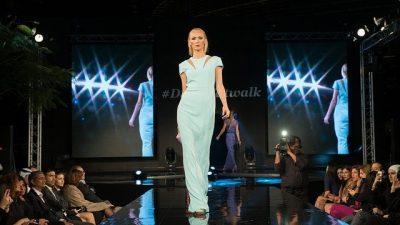 Коллекцию платьев представил бренд HONOR в Нью-Йорке