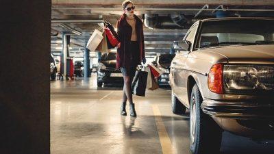Карл Лагерфельд провёл феминистский показ Chanel