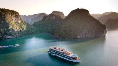 Тысячи китайских туристов отказались покинуть судно в южнокорейском порту
