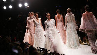 Воздушные наряды от Chloé на Неделе моды в Париже