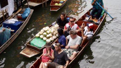 Власти Таиланда вводят полугодовые туристические мультивизы